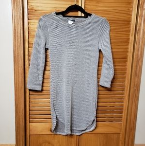 Jrs. Abstract Long Open Weave Medium Tunic Sweater